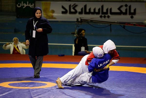 کشتی زنان در ایران